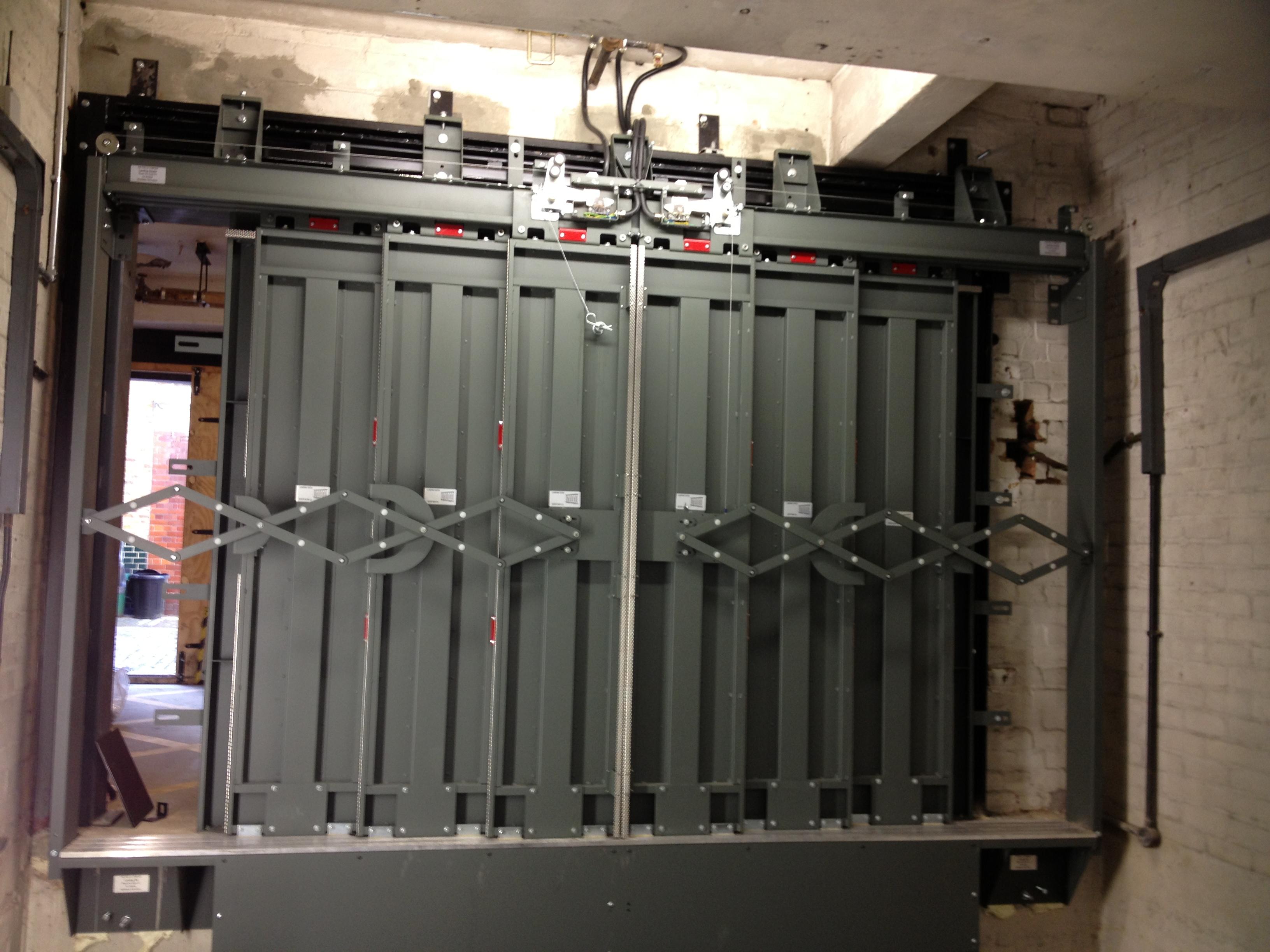Lift Modernisation - Peelle Sliding Lift Doors